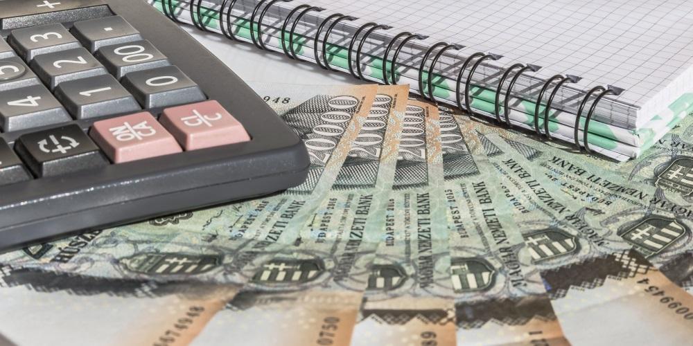 Számológép és pénz